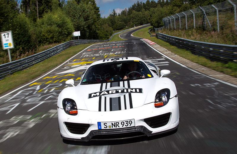 Шедевр дизайнерской и инженерной мысли - Porsche 918 Spyder пойдет в серию!