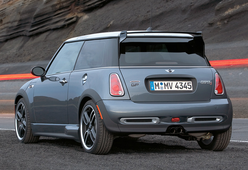 2006 Mini Cooper S John Cooper Works Gp R53 характеристики фото