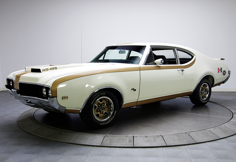 1969 Oldsmobile 442 Hurst/Olds Holiday Coupe
