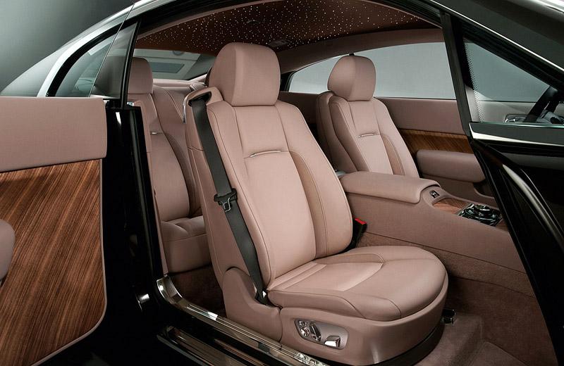 Rolls-Royce Wraith - шикарный фастбек от производителя премиальных седанов