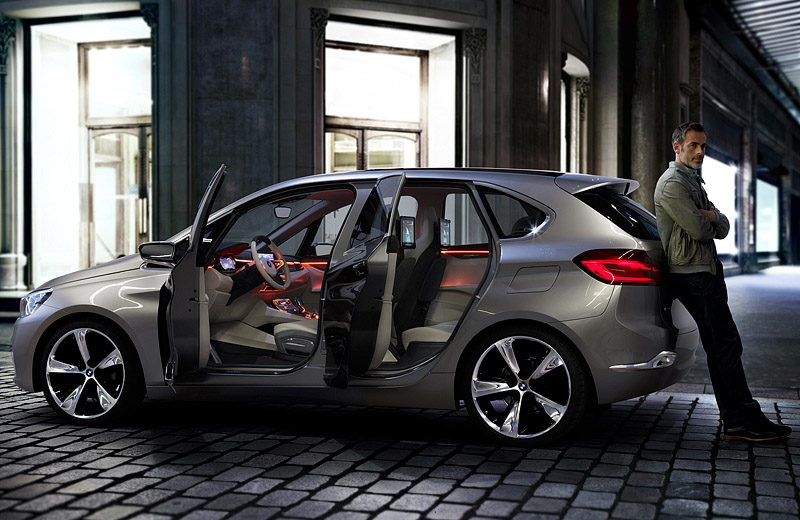 BMW Concept Active Tourer - проект хетчбэка будущего