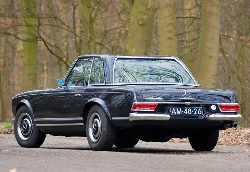 1966 Mercedes-Benz 250SL 2+2 California Coupe (W113)