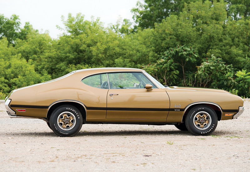 1970 Oldsmobile 442 W-30 Holiday Coupe
